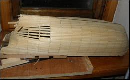 «Баунти» — начало обшивки нижней части корпуса